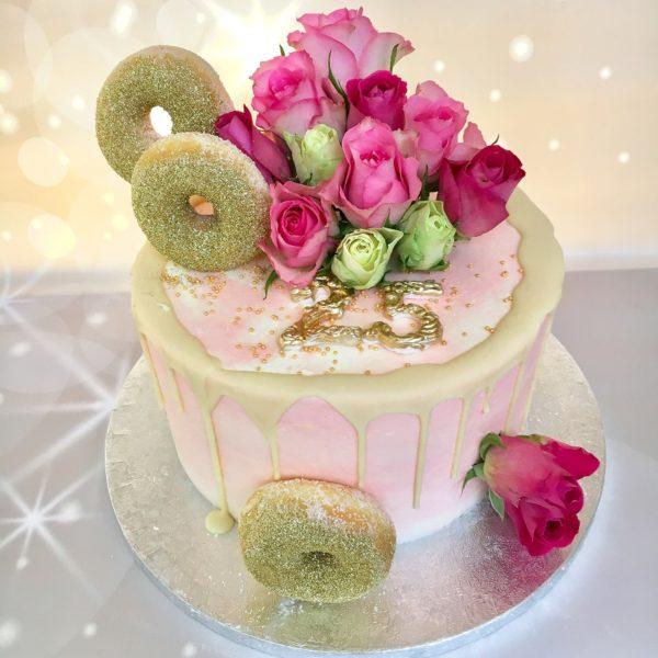 drip cake met rozen